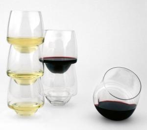 Saturn-Wine-Glasses-by-Superduperstudio_dezeen_468_1